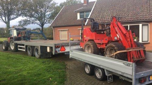 Foto van een Schaffer 2033 Met een massey Ferguson ervoor. Geplaatst door jorn-oude-lashof op 10-11-2019 om 11:18:39, op TractorFan.nl - de nummer 1 tractor foto website.