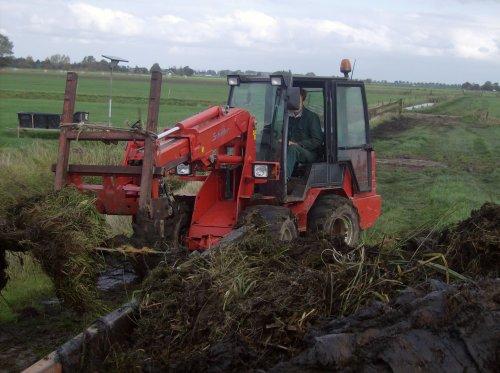 Foto van een Schaffer 450T. Geplaatst door Mthijs op 03-01-2009 om 19:04:11, op TractorFan.nl - de nummer 1 tractor foto website.