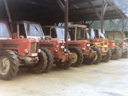 Foto van 3 Schlüters,inter1246,een same en een deutz, nostalgische foto van loonbedrijf van Bockhaven, pure nostalgie,