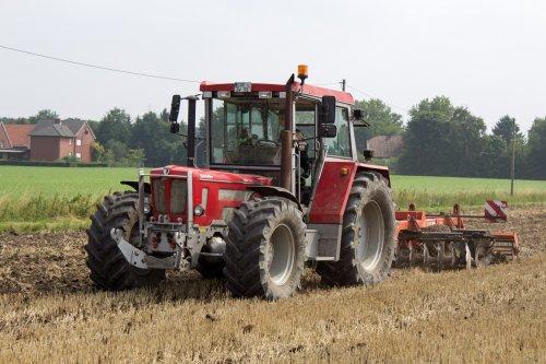 Graanstoppel cultiveren door een Duitse akkerbouwer met een prachtige Schlüter Super 1900 TVL LS Special!