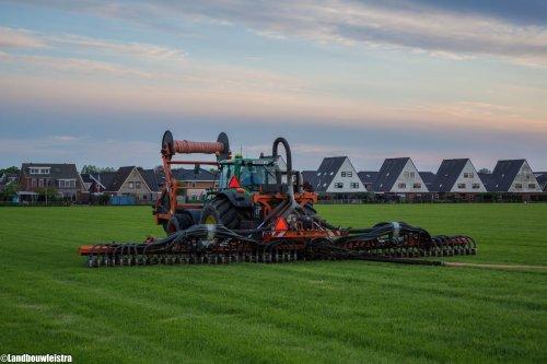 Loonbedrijf Heyblok met John Deere 7530 en Schouten sleepslangbemester.. Geplaatst door LandbouwLeistra op 28-07-2016 om 23:31:57, op TractorFan.nl - de nummer 1 tractor foto website.