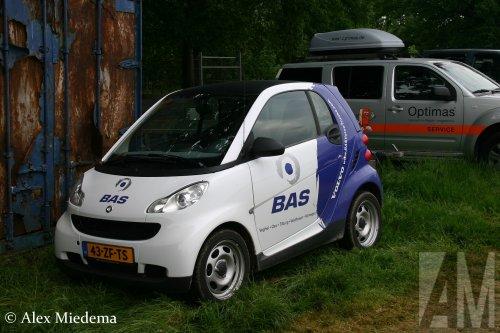 Foto van een Smart ForTwo van BAS Trucks B.V. (Veghel) ×, opgebouwd voor personenvervoer.. Geplaatst door Alex Miedema op 25-05-2020 om 19:22:43, op TractorFan.nl - de nummer 1 tractor foto website.