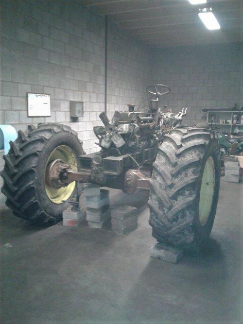 bezig met de restauratie van de Steyr 1100. Geplaatst door kees-steyr op 14-01-2017 om 21:05:21, op TractorFan.nl - de nummer 1 tractor foto website.