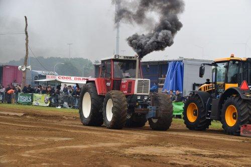 Foto van een Steyr 8150. Geplaatst door jd7920 op 17-05-2018 om 20:08:22, op TractorFan.nl - de nummer 1 tractor foto website.