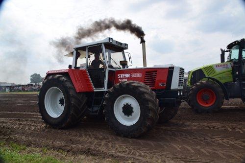Foto van een Steyr 8180. Geplaatst door jd7920 op 12-06-2018 om 21:30:41, op TractorFan.nl - de nummer 1 tractor foto website.