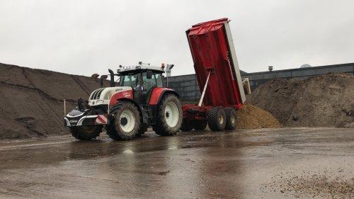 Foto van een Steyr CVT 6140 & Beco maxxim 260. Geplaatst door tonhulten op 14-10-2019 om 11:07:32, op TractorFan.nl - de nummer 1 tractor foto website.