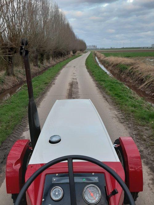 Tractorrijden ,dat doen we graag....... Geplaatst door stijn-de-bock op 16-03-2020 om 04:35:54, op TractorFan.nl - de nummer 1 tractor foto website.