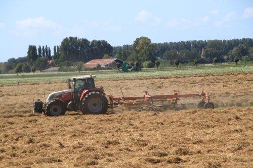 Foto van een Steyr CVT 6195. Geplaatst door alfredo op 21-07-2020 om 09:53:18, op TractorFan.nl - de nummer 1 tractor foto website.