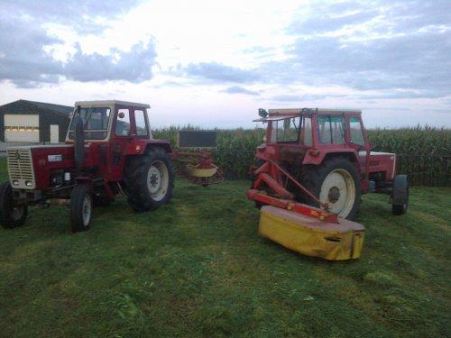 Foto van een Steyr Meerdere.steyr 870 met schudder en 650 met maaier. Geplaatst door steyr-wanroy op 19-08-2013 om 21:12:41, op TractorFan.nl - de nummer 1 tractor foto website.