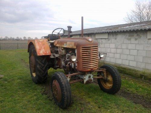 Foto van een Steyr 280A.steyr 280a. Geplaatst door steyr-wanroy op 04-03-2014 om 18:54:31, op TractorFan.nl - de nummer 1 tractor foto website.