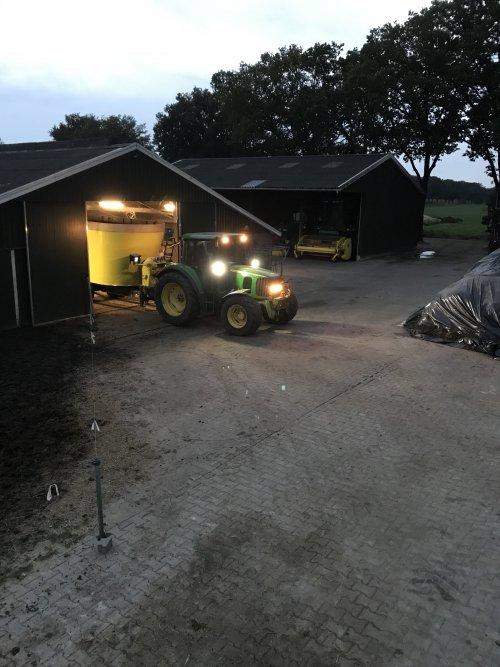 Foto van een Storti Dunker 170. Geplaatst door van-engelenhoven op 15-09-2021 om 11:34:28, op TractorFan.nl - de nummer 1 tractor foto website.