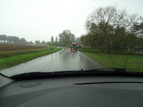 Foto van een Strautmann Kuilvoersnijder. Geplaatst door dickt op 02-11-2019 om 18:24:37, op TractorFan.nl - de nummer 1 tractor foto website.