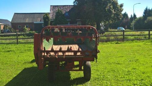 Foto van een Strautmann Streublitz. Geplaatst door RenaultN94 op 24-08-2016 om 20:09:54, op TractorFan.nl - de nummer 1 tractor foto website.