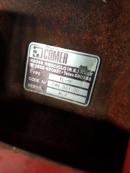 Foto van een Taarup 1030, kan iemand mij vertellen of dit een 540 of een 1000 touren wagen is. Ik heb  begrepen dat dat in deze tandwielbak zit, deze is een paar jaar terug vervangen door de vorige eigenaar.