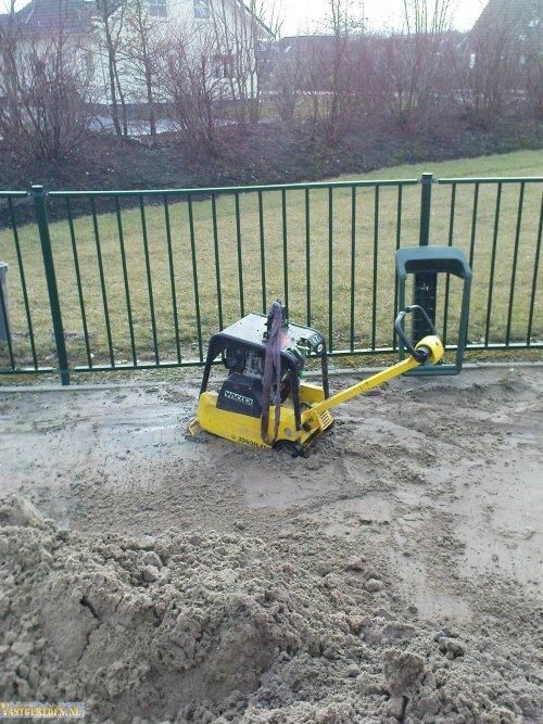 trilplaat verzakt. Geplaatst door vastgereden op 11-12-2016 om 08:47:08, op TractorFan.nl - de nummer 1 tractor foto website.