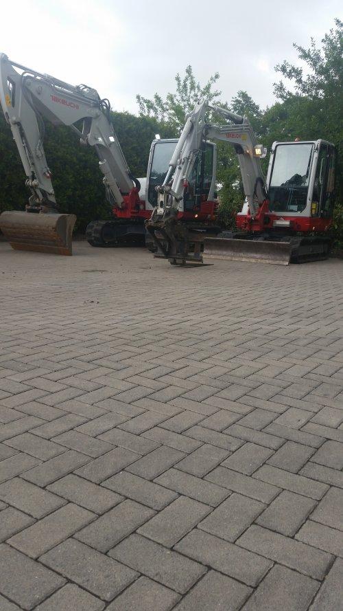 2x tackeuchi klaar voor transport.. Geplaatst door kubotatje op 13-07-2015 om 17:28:03, op TractorFan.nl - de nummer 1 tractor foto website.