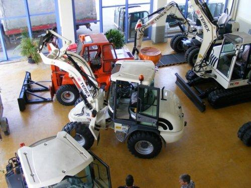 Foto van een Terex Meerdere. Geplaatst door buttonfreak op 05-01-2017 om 19:16:32, op TractorFan.nl - de nummer 1 tractor foto website.