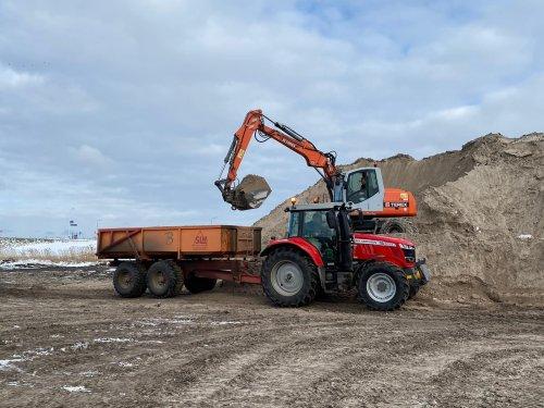 Foto van een Terex TW 150 van Klus en montage Bedrijf Burger (t Zand) ×.. Geplaatst door atlaspower op 14-02-2021 om 11:59:20, op TractorFan.nl - de nummer 1 tractor foto website.