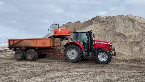 Foto van een Terex TW 150 van Klus en montage Bedrijf Burger (t Zand) ×.. Geplaatst door atlaspower op 14-02-2021 om 11:59:21, op TractorFan.nl - de nummer 1 tractor foto website.