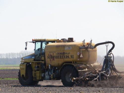 Foto van een Terra Gator 8133 ,21-04-2016. Geplaatst door oldtimergek op 23-04-2016 om 20:52:22, op TractorFan.nl - de nummer 1 tractor foto website.