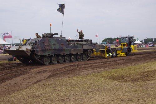Foto van een TEZ Leopard. Geplaatst door jans-eising op 12-06-2019 om 14:08:40, op TractorFan.nl - de nummer 1 tractor foto website.