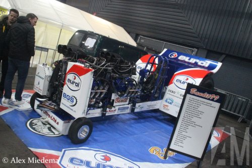 Op deze foto is Eurol B.V. (Nijverdal) × actief met een tractor pulling Tractorpulling. Meer racing expo foto's op https://www.alexmiedema.nl/2019/01/26/racing-expo-2019/