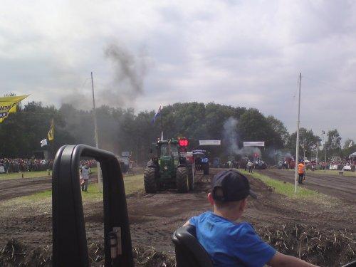 Foto van een tractor pulling Onbekend, bezig met poseren.. Geplaatst door maartenjohndeere op 03-07-2009 om 09:30:21, met 2 reacties.