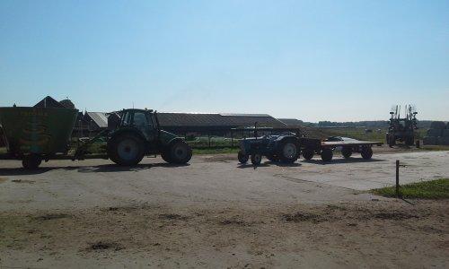 Foto van een Tractors Diverse. Geplaatst door dobbe op 16-07-2018 om 17:52:09, met 3 reacties.