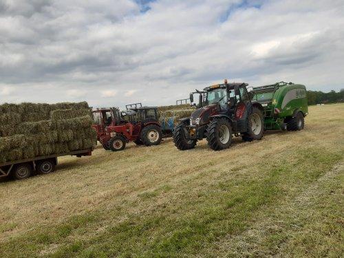 Foto van een Tractors Diverse. Geplaatst door jehan op 20-05-2020 om 18:30:37, met 4 reacties.