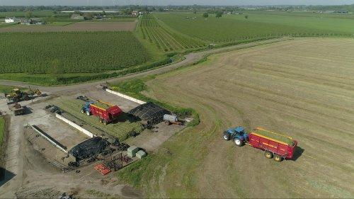 Video:   https://www.youtube.com/watch?v=ac0OAKGVxJQ. Geplaatst door gypCaseXL op 10-06-2021 om 19:58:55, op TractorFan.nl - de nummer 1 tractor foto website.
