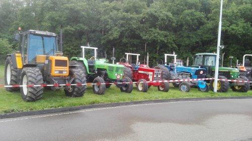 Foto van een Tractors Diverse. Geplaatst door claasfan op 03-07-2016 om 15:50:09, met 12 reacties.