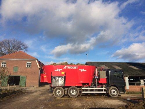 Foto van een Trioliet Solomix op een vrachtwagen gebouwd!. Geplaatst door Jantjecase op 19-11-2016 om 19:59:28, met 26 reacties.