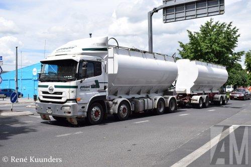 Foto van een UD onbekend/overig, opgebouwd voor bulktransport.. Geplaatst door Alex Miedema op 23-03-2019 om 20:41:43, op TractorFan.nl - de nummer 1 tractor foto website.