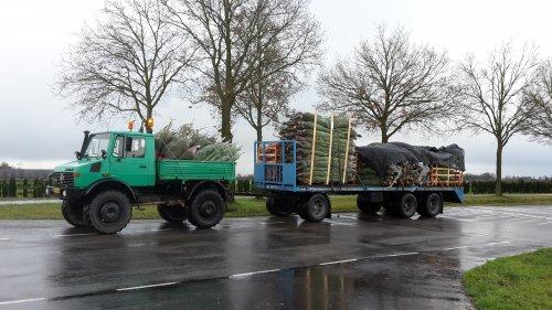 Foto van een Unimog U1300. Geplaatst door gerben op 03-12-2017 om 16:43:28, op TractorFan.nl - de nummer 1 tractor foto website.