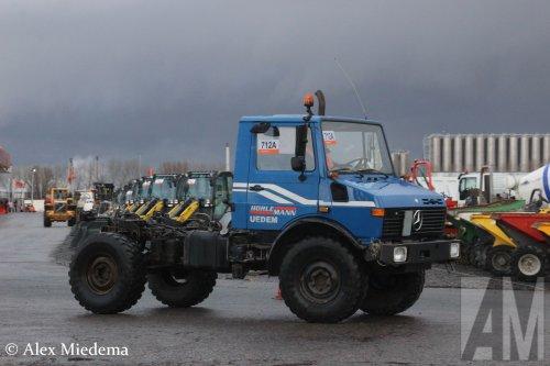Foto van een Unimog U1450, opgebouwd zonder opbouw.. Geplaatst door Alex Miedema op 12-12-2017 om 15:02:11, op TractorFan.nl - de nummer 1 tractor foto website.