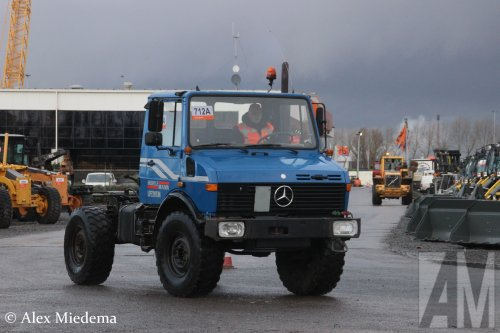 Foto van een Unimog U1450, opgebouwd zonder opbouw.. Geplaatst door Alex Miedema op 12-12-2017 om 15:02:28, op TractorFan.nl - de nummer 1 tractor foto website.