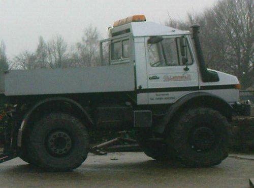 Unimog U1700 van Newhollandford