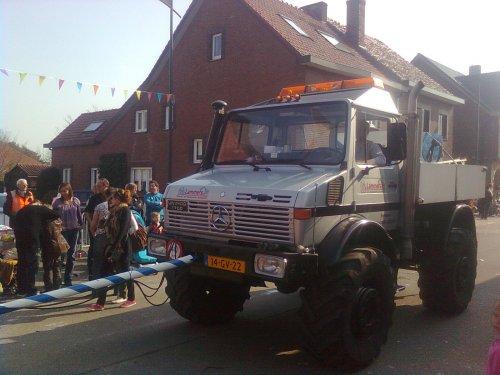 Unimog U1700 van TurnMeLoose