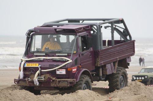 Unimog U1300L van warmerbros