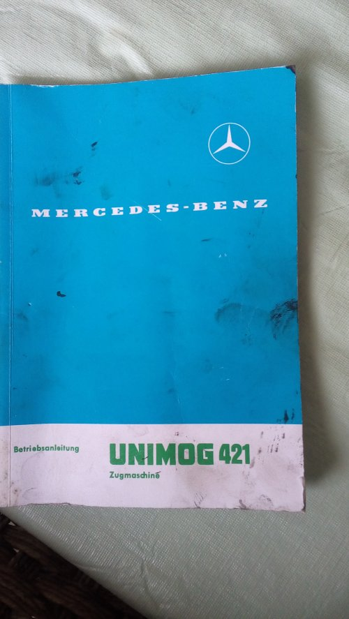 Foto van een Unimog 421 handleiding boek Is voor een topic. Geplaatst door harmkevanacht op 16-01-2016 om 16:27:24, op TractorFan.nl - de nummer 1 tractor foto website.