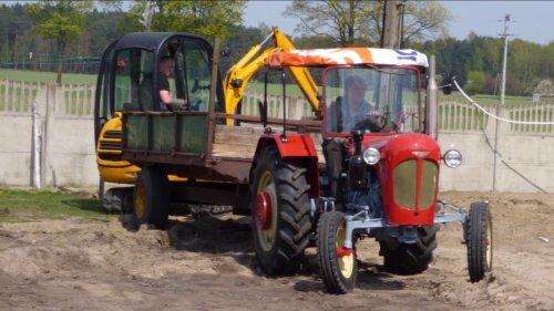 Foto van een Ursus C-328. Geplaatst door roland koedam op 14-01-2018 om 14:14:31, op TractorFan.nl - de nummer 1 tractor foto website.
