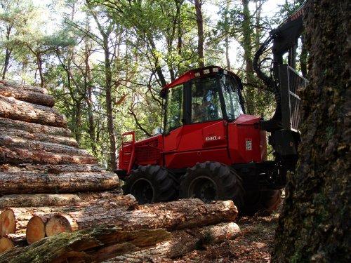 Valmet 840.4 van Boeve Hop Uddel. Geplaatst door janrus op 03-12-2012 om 21:05:51, op TractorFan.nl - de nummer 1 tractor foto website.