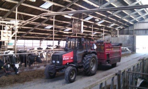 Foto van een Valmet 405.. Geplaatst door valtra-geert op 19-03-2015 om 21:09:24, op TractorFan.nl - de nummer 1 tractor foto website.