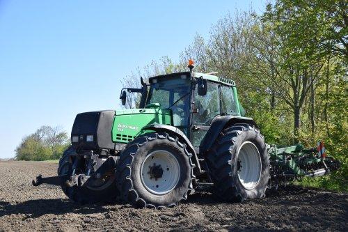 Foto van een Valtra Valmet 8150. Geplaatst door Hette op 06-05-2018 om 20:42:53, op TractorFan.nl - de nummer 1 tractor foto website.