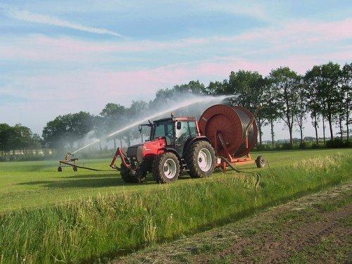 paar jaar terug. Geplaatst door zettelmeyer op 27-02-2017 om 12:22:03, op TractorFan.nl - de nummer 1 tractor foto website.