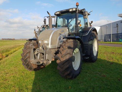 Foto van een Valtra N141. Geplaatst door thea-meijer op 09-12-2018 om 18:44:15, op TractorFan.nl - de nummer 1 tractor foto website.