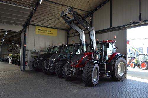 Foto van een Valtra Meerdere. Geplaatst door Lucas Ensing op 14-03-2019 om 21:49:44, op TractorFan.nl - de nummer 1 tractor foto website.