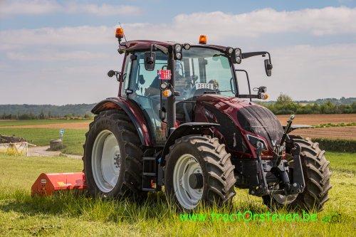 Foto van een Valtra A104 met een Maschio Corazza klepelmaaier. Geplaatst door FiatPeter op 17-06-2020 om 21:30:13, op TractorFan.nl - de nummer 1 tractor foto website.