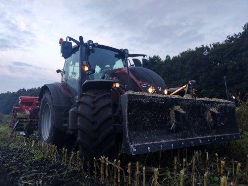 Rogge zaaien met de N. Geplaatst door ljdekker op 18-11-2020 om 18:21:58, op TractorFan.nl - de nummer 1 tractor foto website.