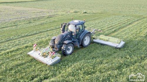 Foto van een Valtra T174. 2e snee gemaaid 2 weken terug 😄. Geplaatst door deutz dx 470 op 16-06-2021 om 19:30:48, op TractorFan.nl - de nummer 1 tractor foto website.